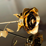 Златна роза 24 карата – подарък за Нова година