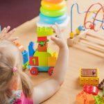 Какви образователни играчки да вземем за най-малките?